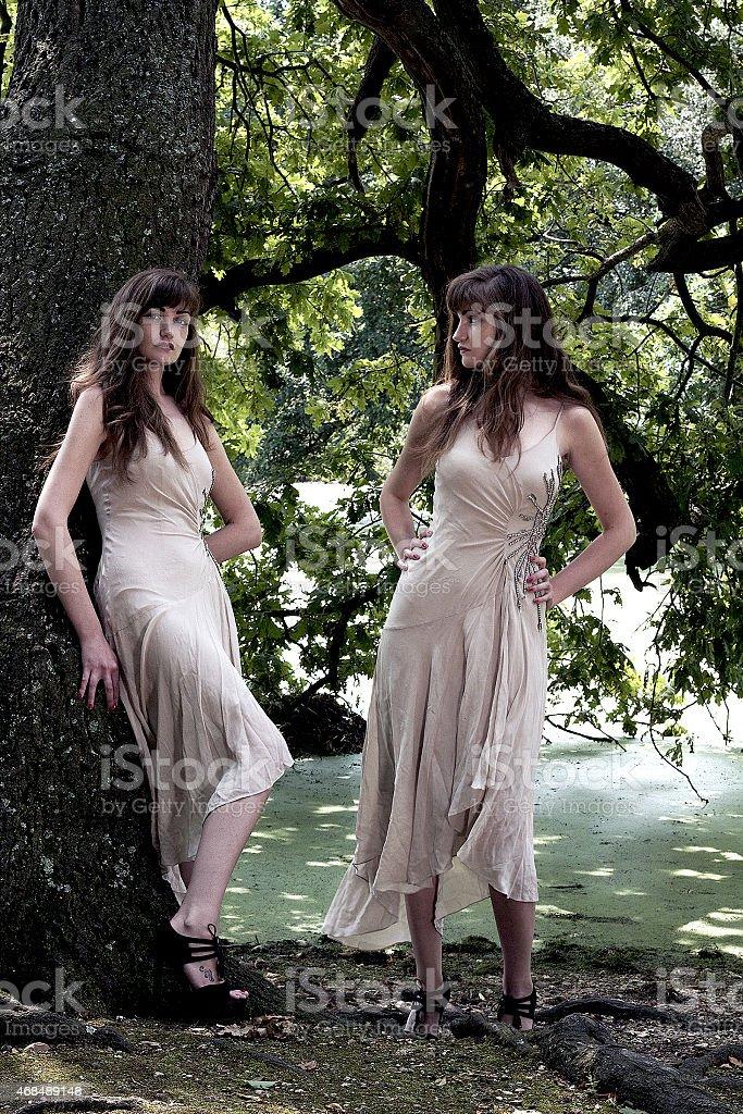 Visione sdoppiata foto d'epoca di una giovane signora foto stock royalty-free