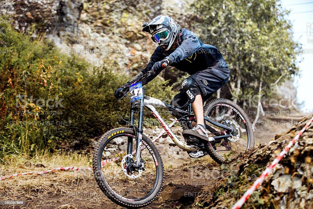 down hill men athlete bike royalty-free 스톡 사진