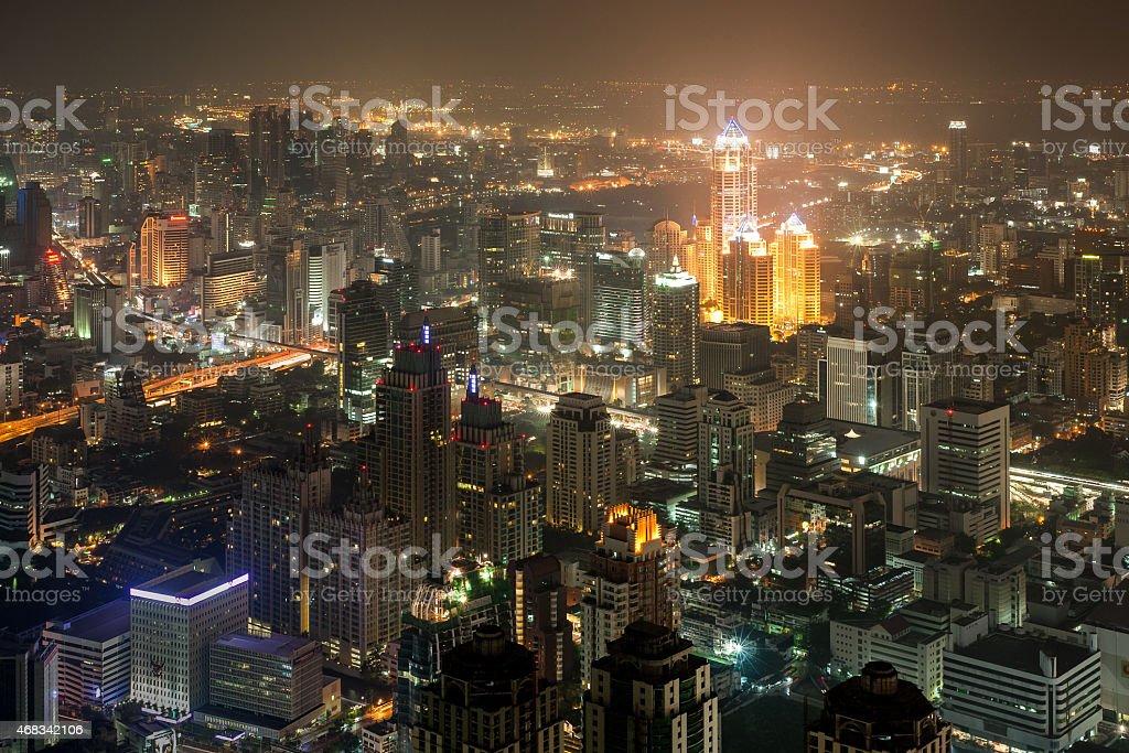 Le centre-ville de Bangkok à la tombée de la nuit photo libre de droits