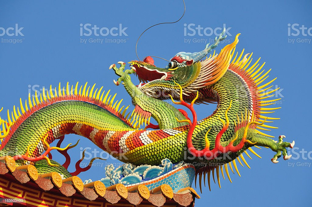 statue de dragon stock photo