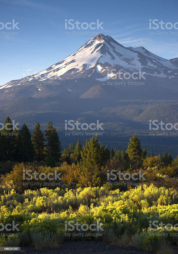 Dramatic Sunrise Light Hits Mount Shasta Cascade Range California stock photo