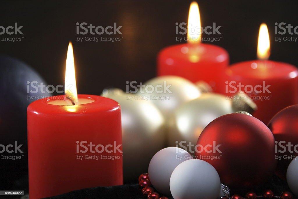 Drei rote Kerzen weihnachtlich royalty-free stock photo