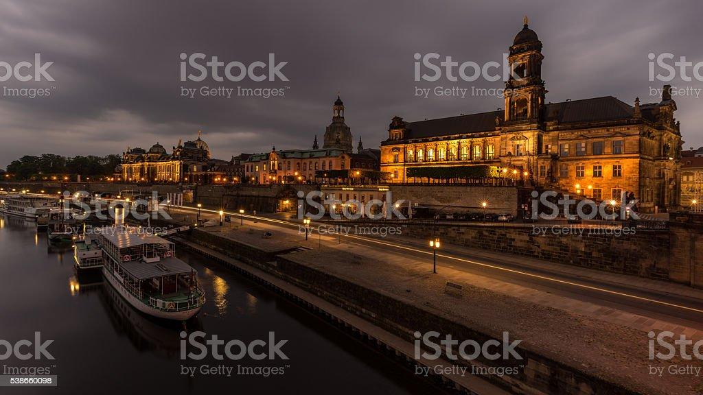 Dresdner Elbufer bei Nacht stock photo