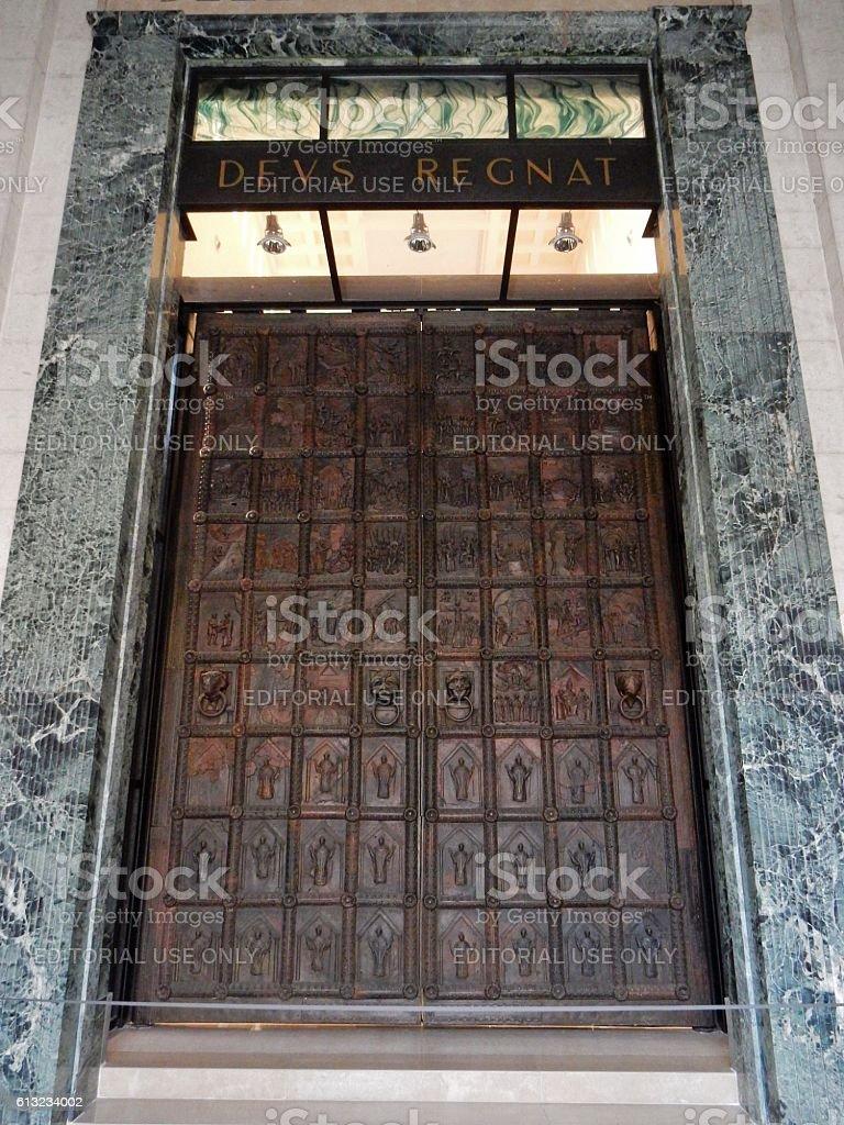 Duomo di Benevento - Porta interna stock photo