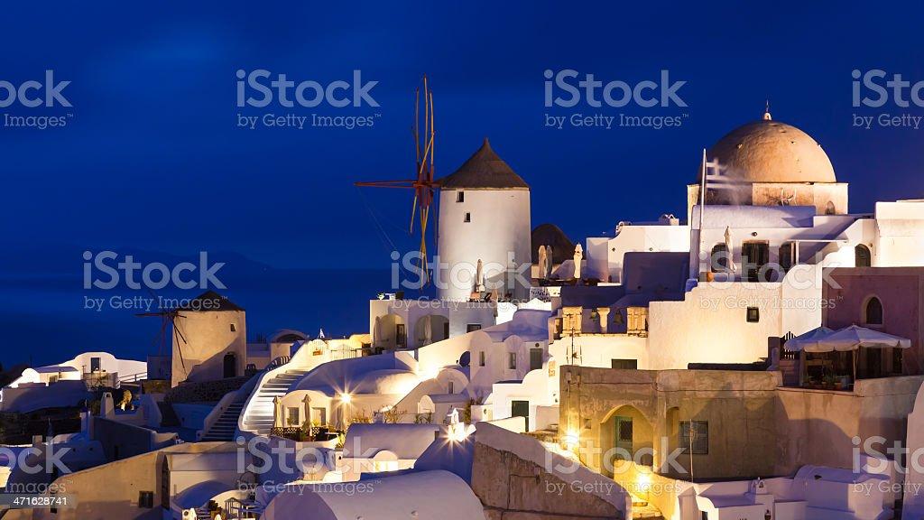Crépuscule à Oia Santorin, Grèce photo libre de droits