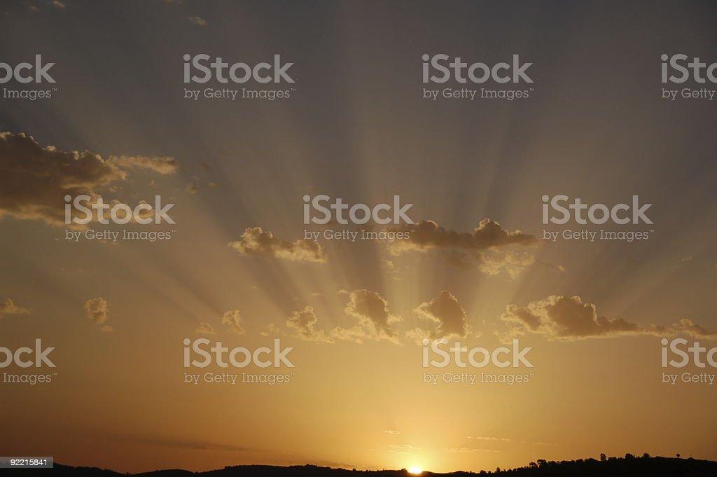 Wcześnie rano słońce promienie zbiór zdjęć royalty-free