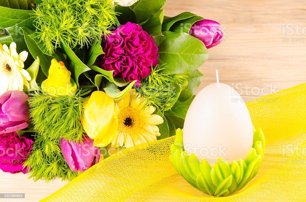 DECORACIÓN ORIENTAL huevo y ramo de resorte foto de stock libre de derechos