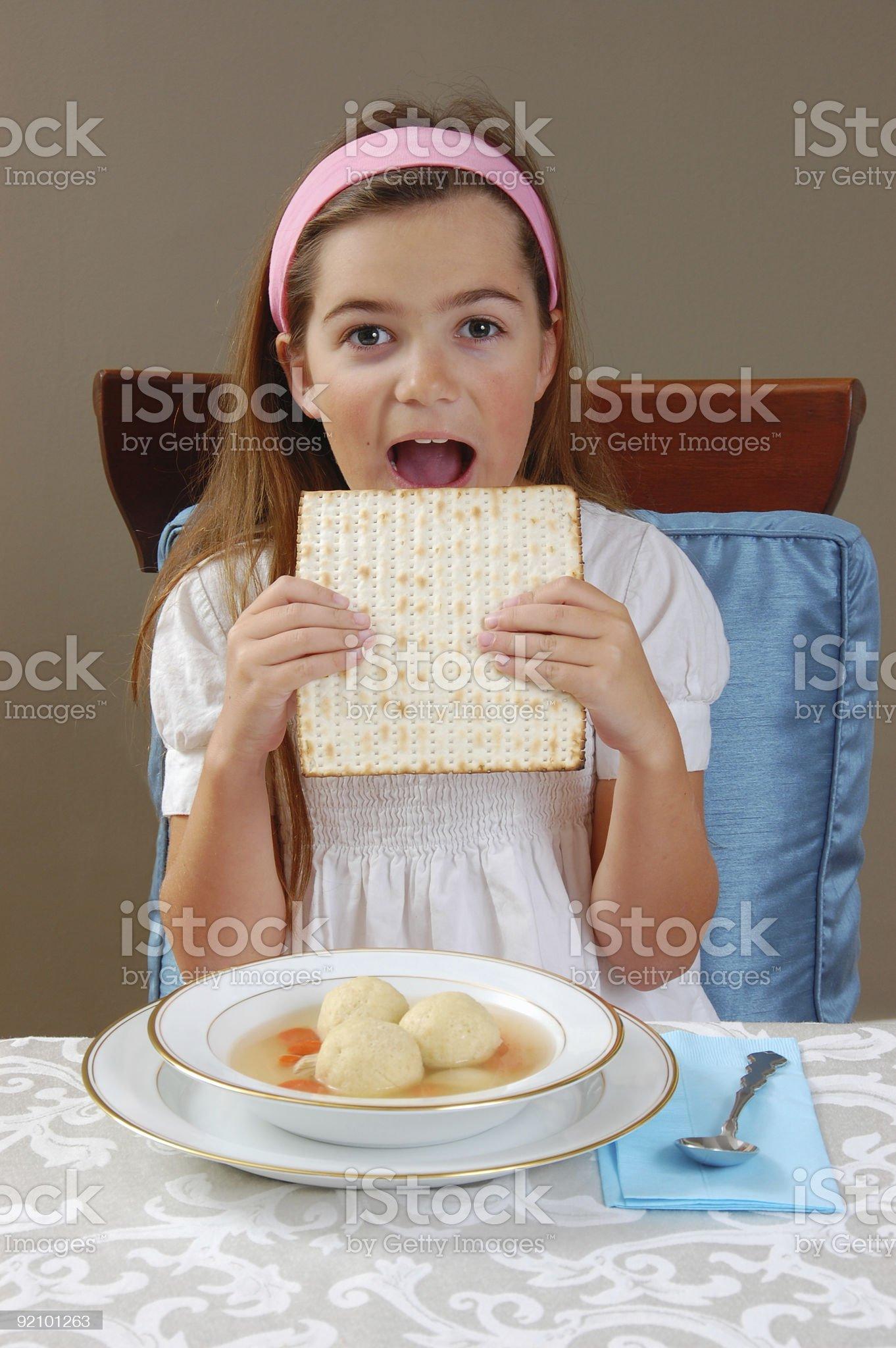 Eating Matzah royalty-free stock photo