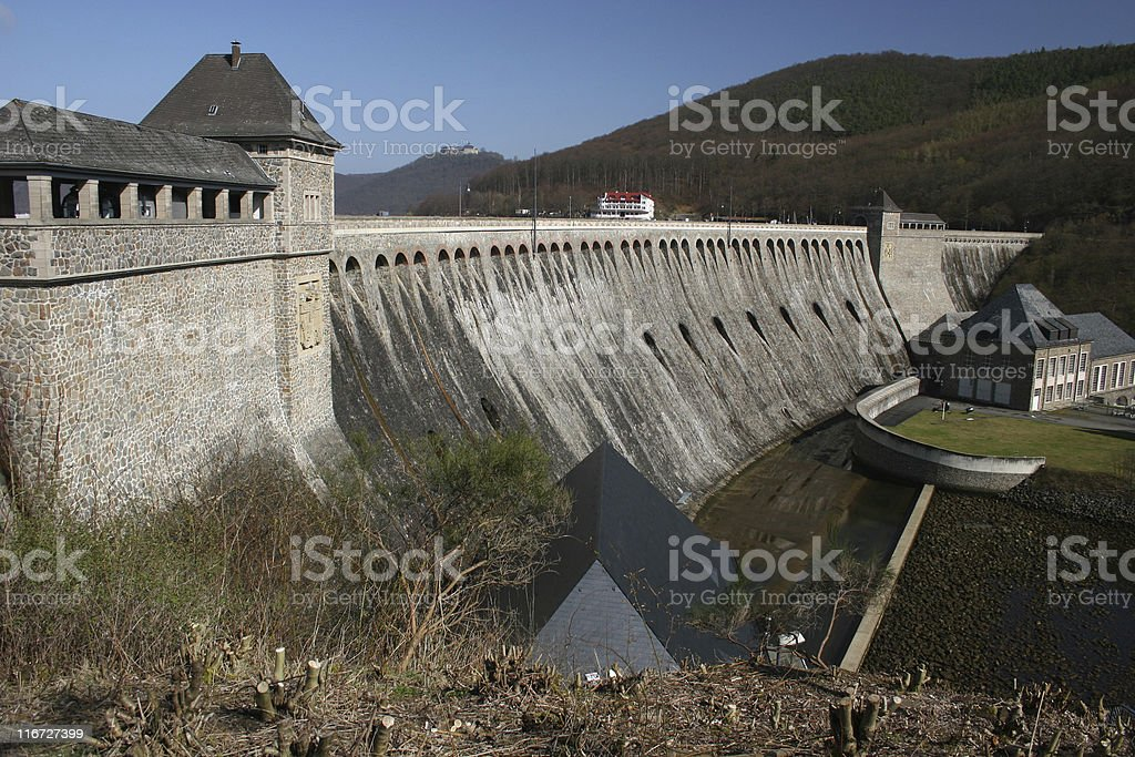 Edersee Staumauer und Burg Waldeck royalty-free stock photo