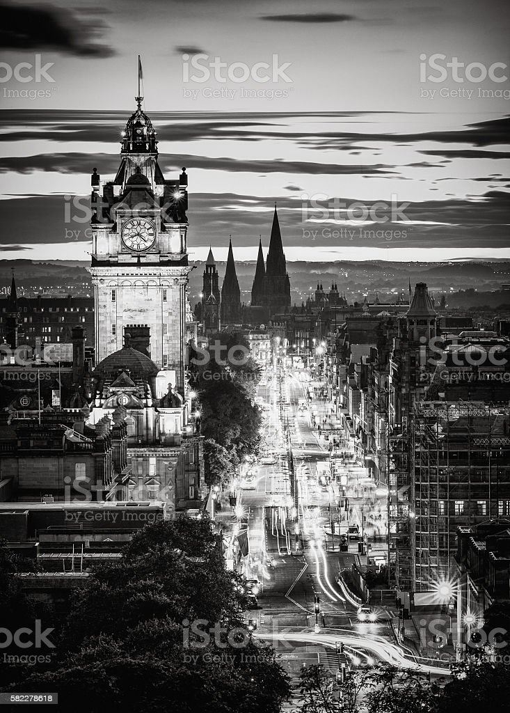 Edinburgh skyline in black and white at dusk stock photo