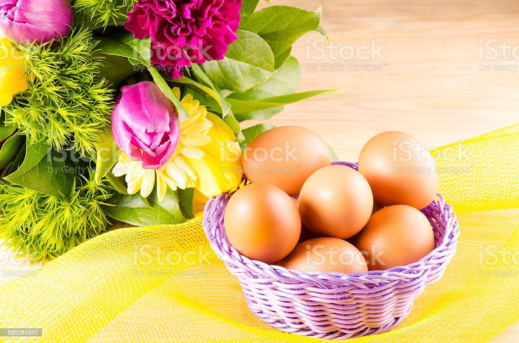 Huevos y ramo de resorte foto de stock libre de derechos