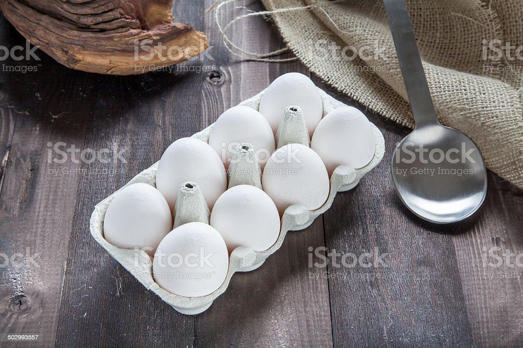 Huevos en eggbox foto de stock libre de derechos