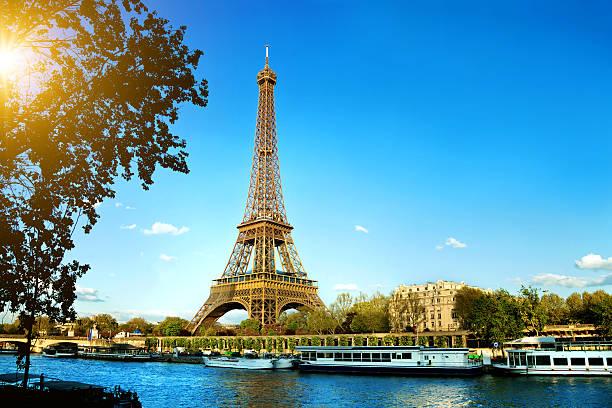 Paris france pictures images and stock photos istock - Les encombrants de paris ...