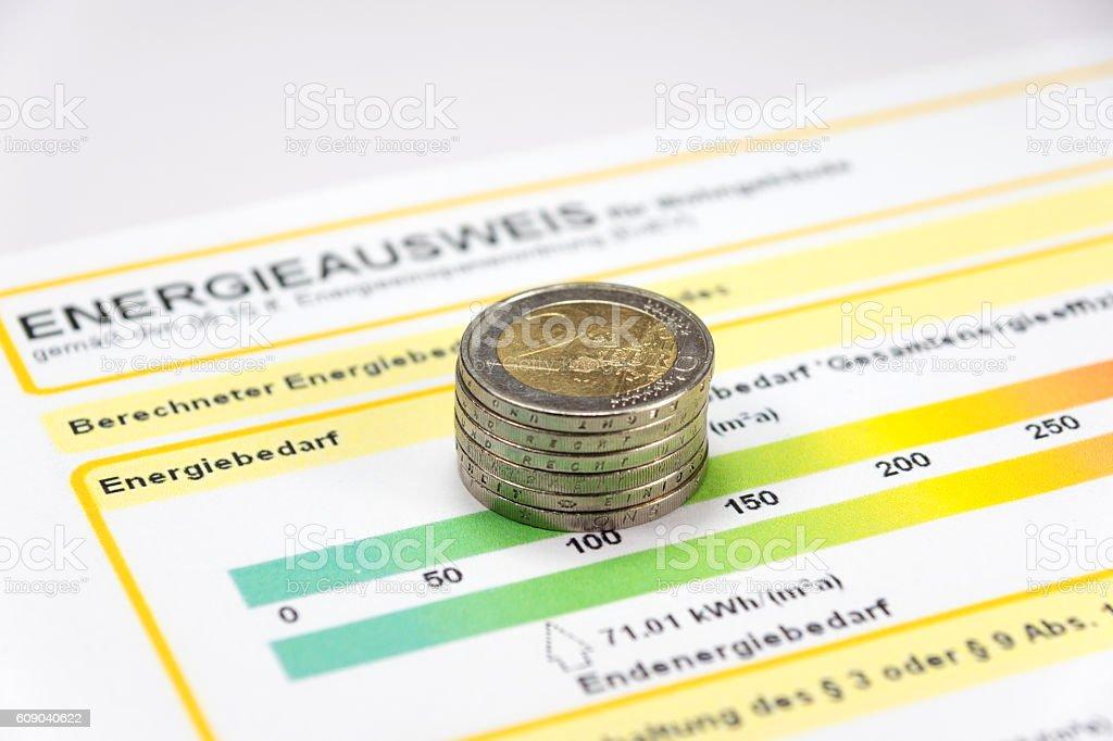 Ein Energieausweis und Geld stock photo