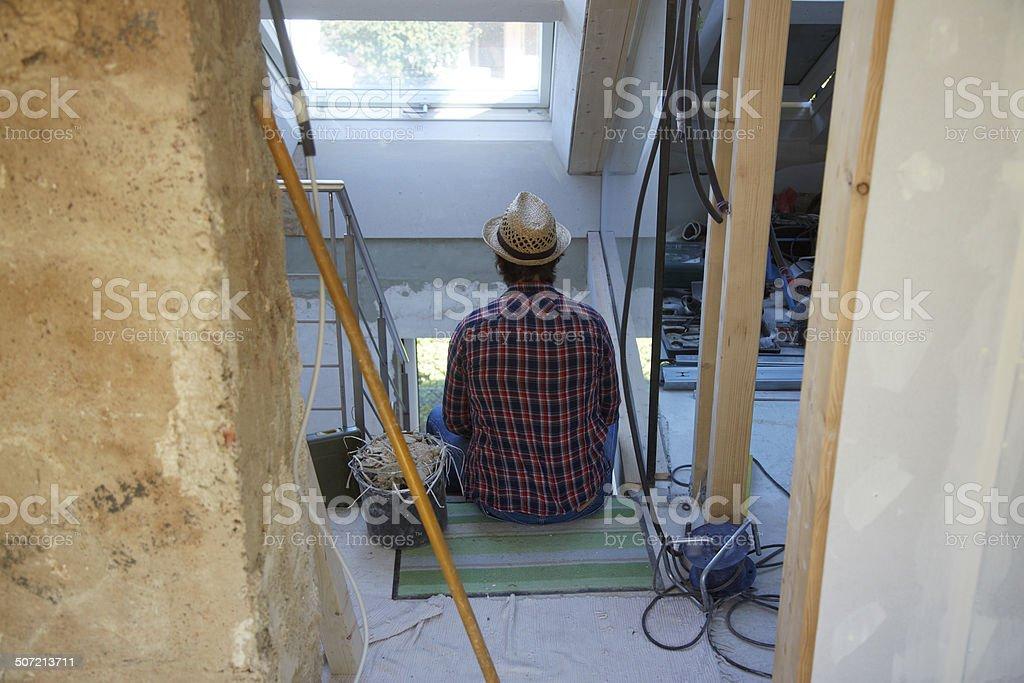 Ein Heimwerker macht Pause stock photo