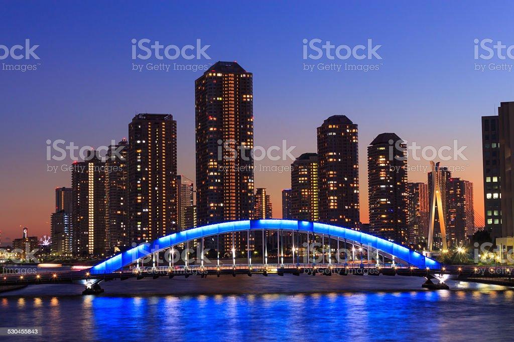 Eitai bridge and Okawabata Rivercity 21 in Tokyo at dusk stock photo