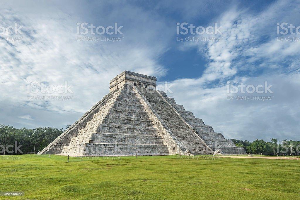 El Castillo or Temple of Kukulkan pyramid, Chichen Itza, Yucatan stock photo