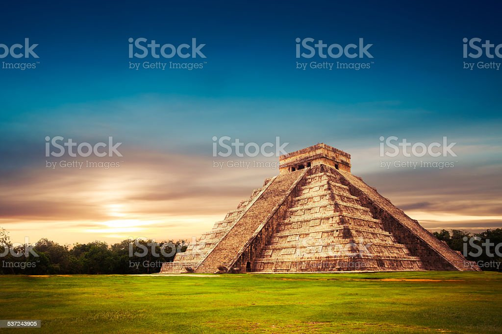 'El Castillo' pyramid in Chichen Itza, Yucatan, Mexico stock photo
