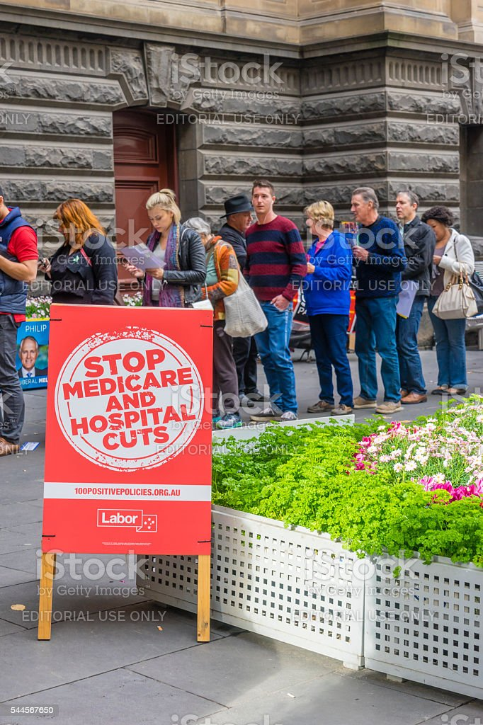 Electoral placard and electors at Melbourne Town Hall stock photo