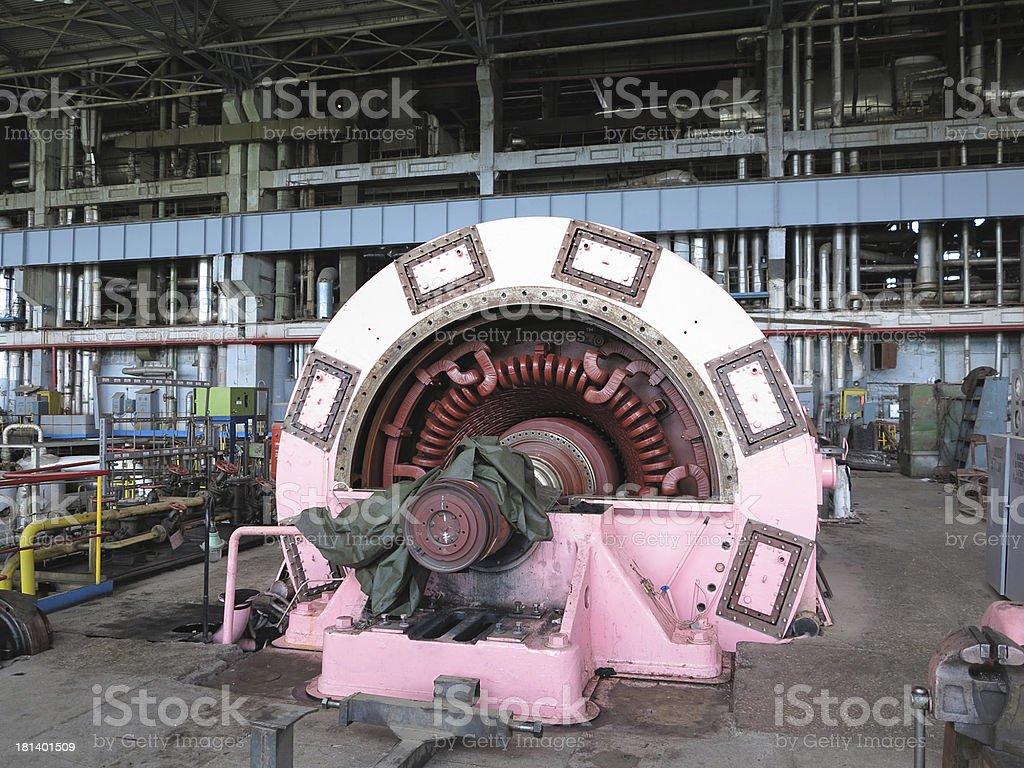 Gerador de energia eléctrica e Turbina a vapor durante reparação foto de stock royalty-free