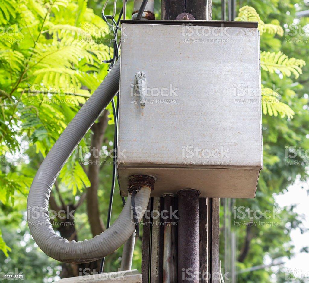 Elektrizität post mit control box Lizenzfreies stock-foto