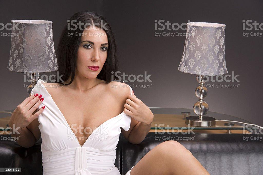 Женщина в платье разделась фото фото 29-32