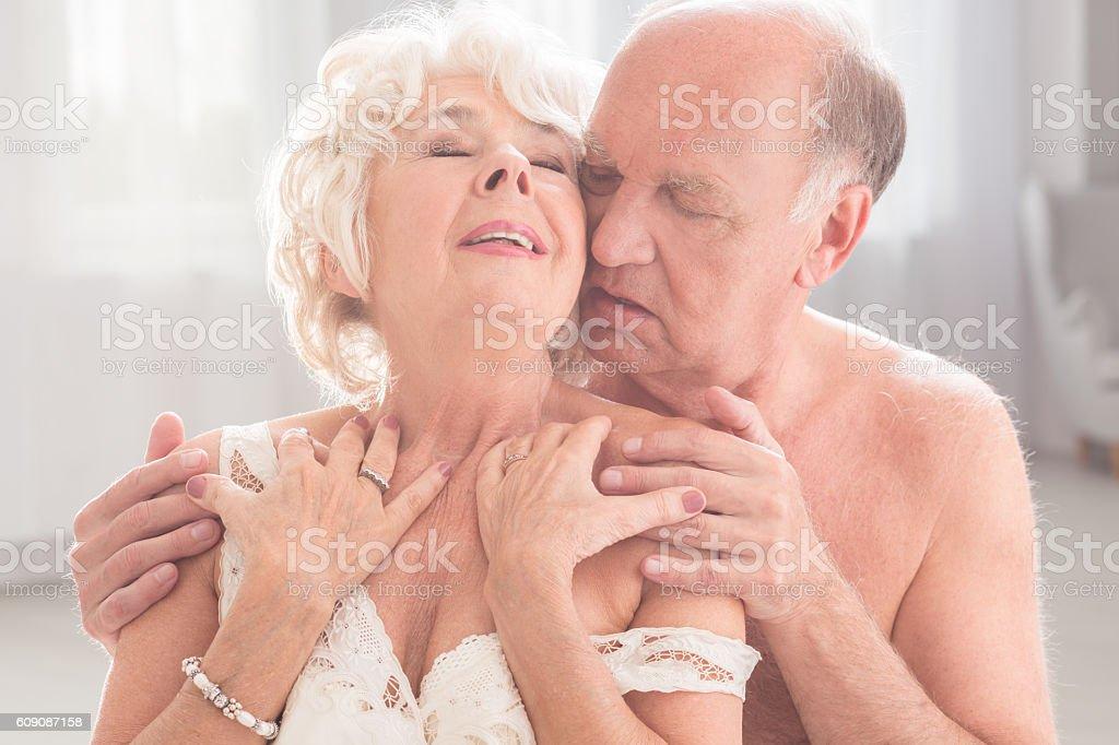 Терапия пожилых сексом
