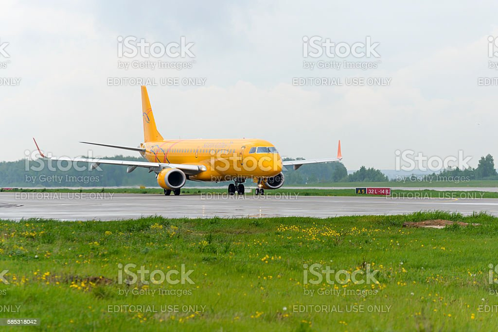 Embraer 195LR Saratov airlines taxiing stock photo