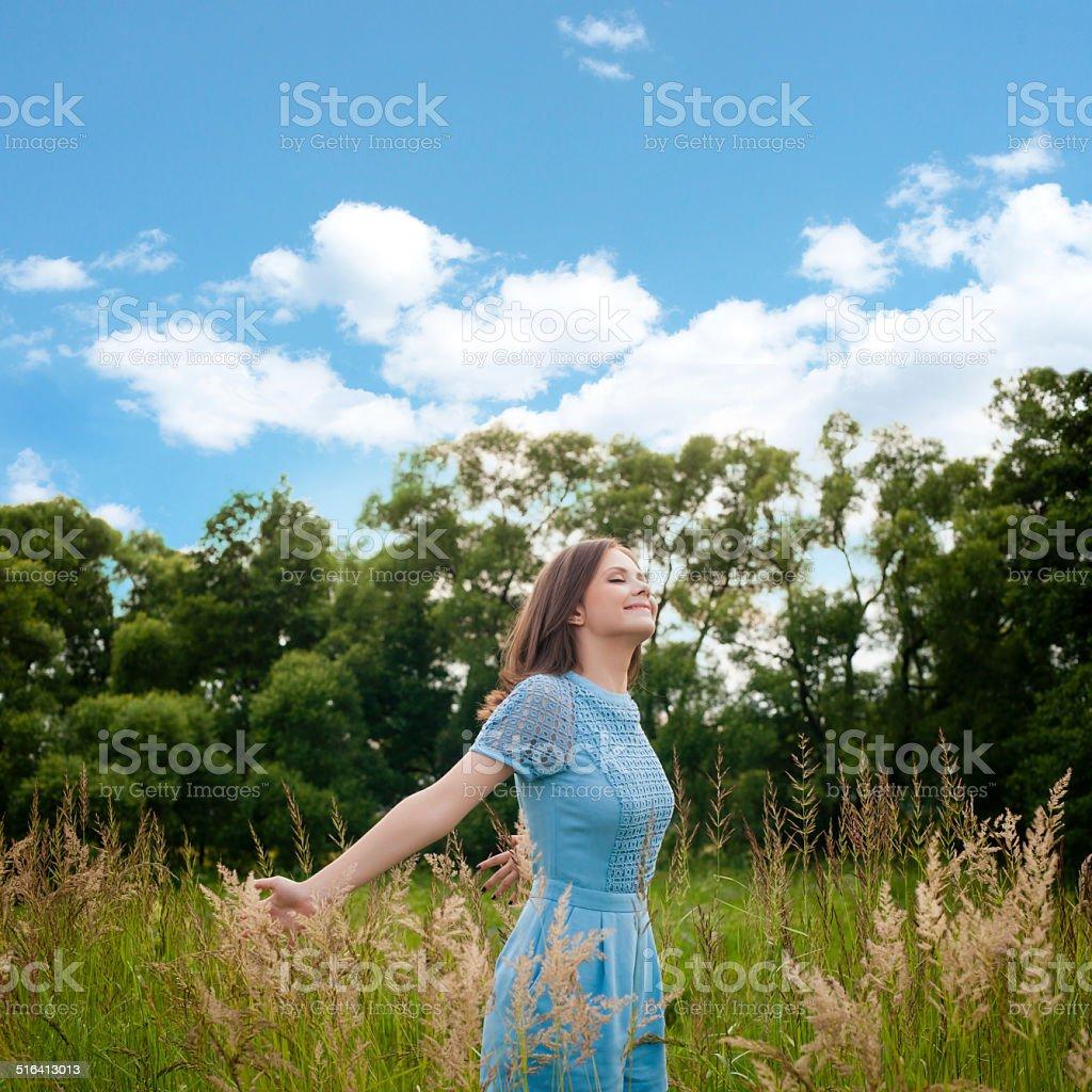Бесплатное фото женщин на улице фото 238-1