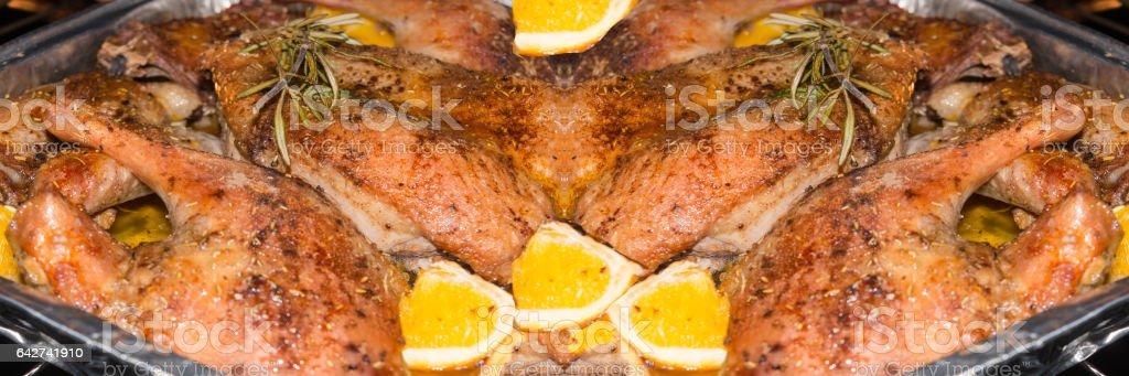 Entenbraten in einer Aluschale stock photo