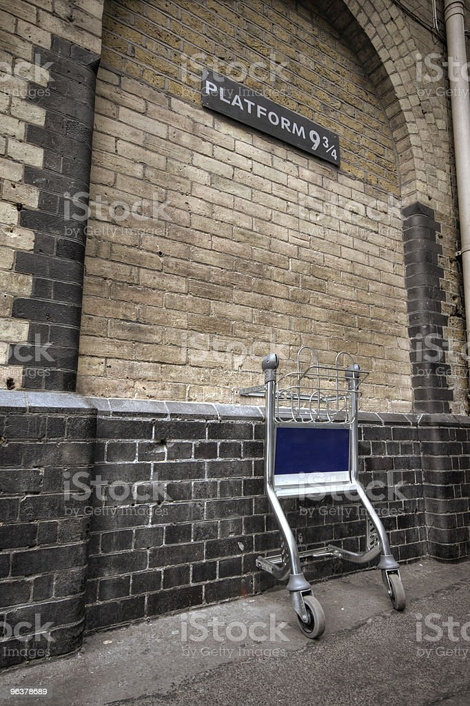 Entrance to Platform 9&3/4 at London's Kings Cross Station stock photo