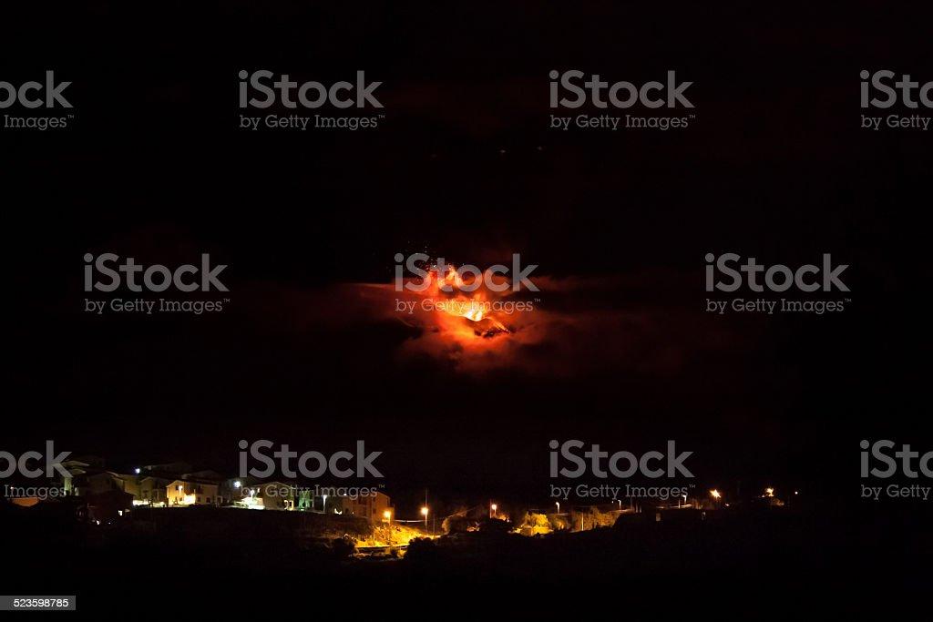 Etna in eruzione stock photo