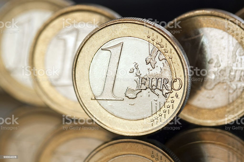 Moedas em euros foto de stock royalty-free