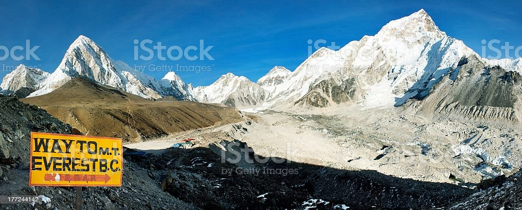 Soirée vue de l'Everest et le Mont Nuptse de Kala Patthar photo libre de droits