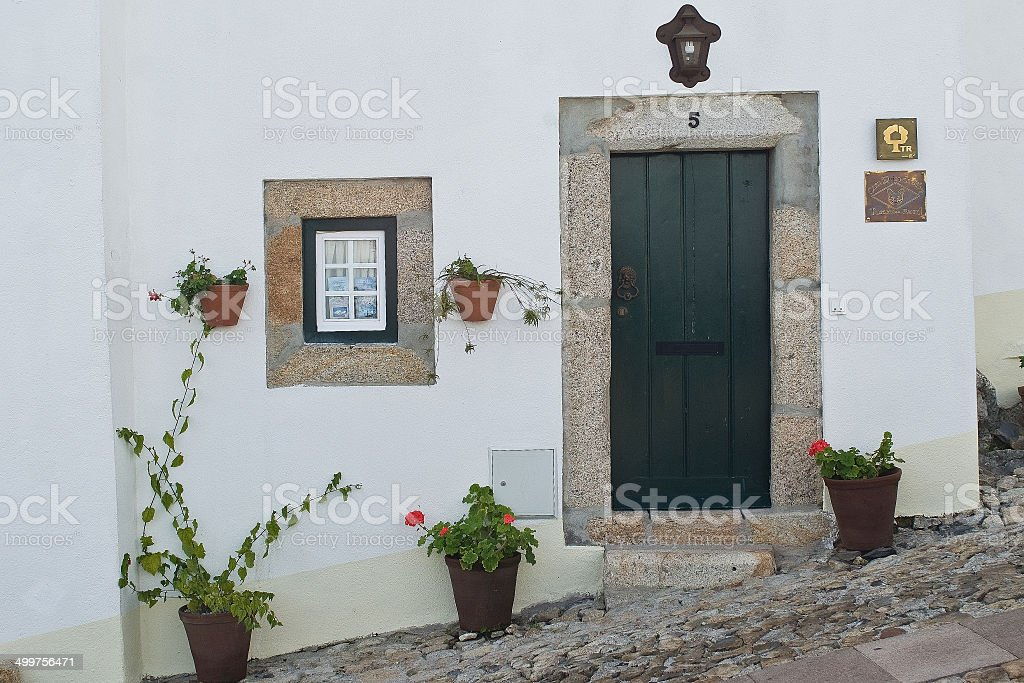 fachada casa de pueblo en portugal stock photo