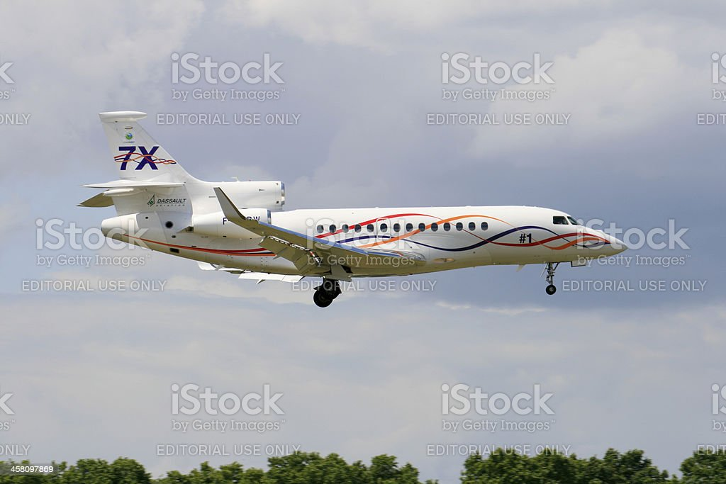 Falcon 7X on approach stock photo