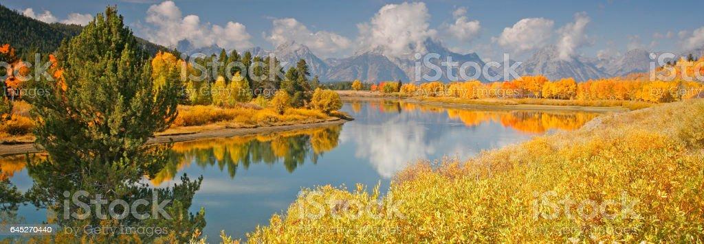 Fall at Oxbow Bend below the Teton Mountains stock photo