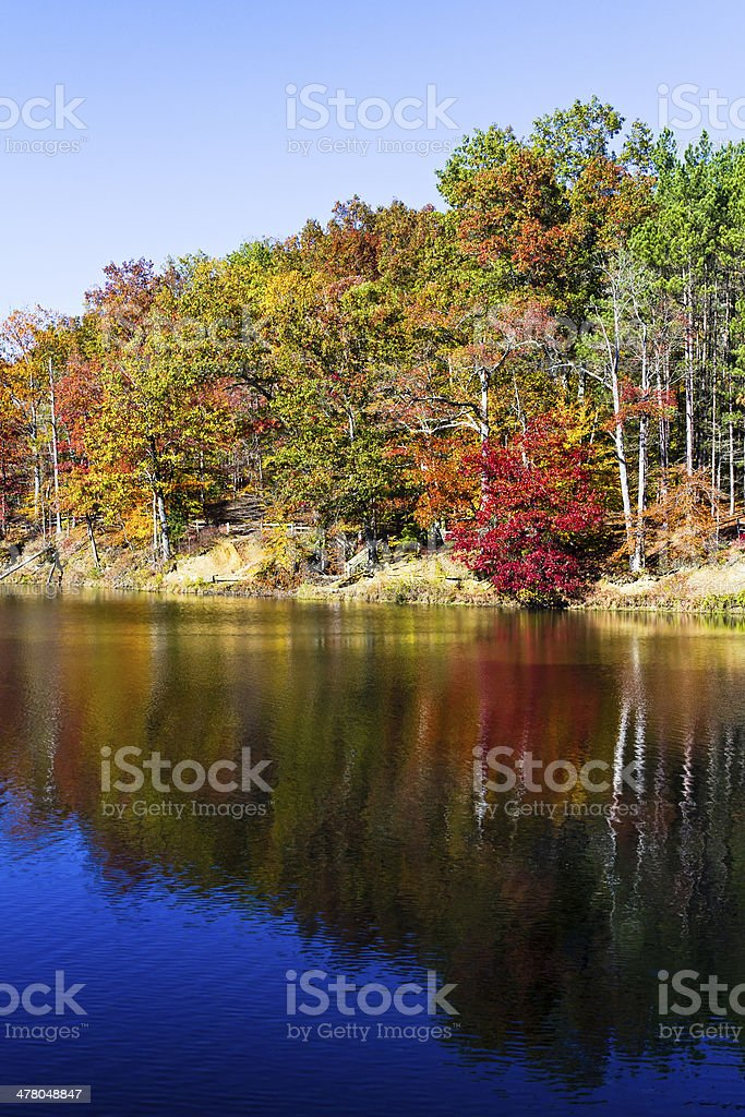 Autunno sul lago foto stock royalty-free