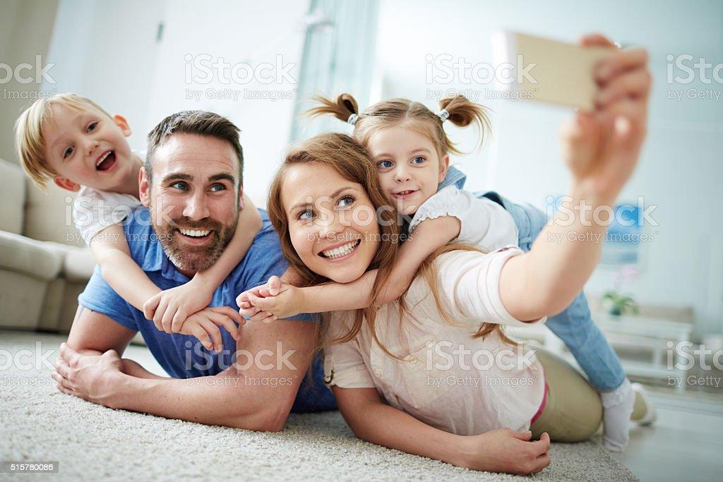 Família uma selfie - fotografia de stock