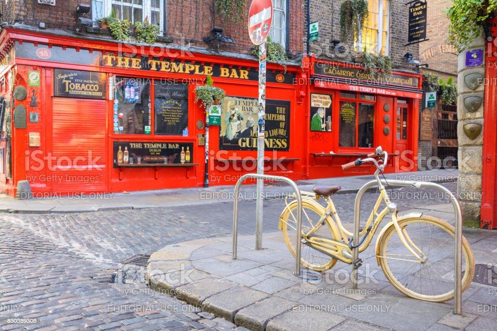 Famous irish temple bar pub at morning stock photo