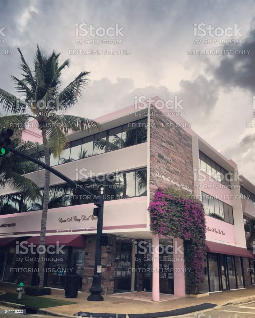 Famous Worth Avenue Shopping Street Palm Beach Usa Stock Photo - Famous art museums in usa