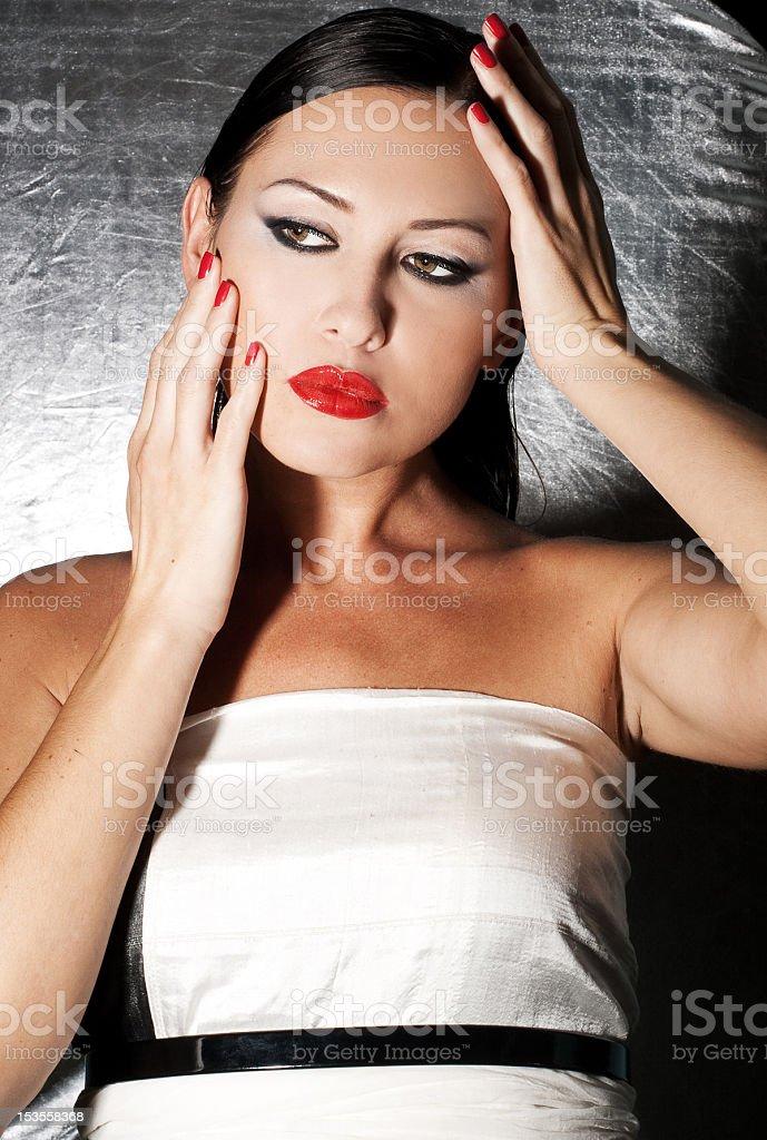 Retrato de moda de mujer joven hermosa foto de stock libre de derechos