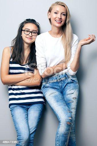 Молодые девушки в позах фото 53-346