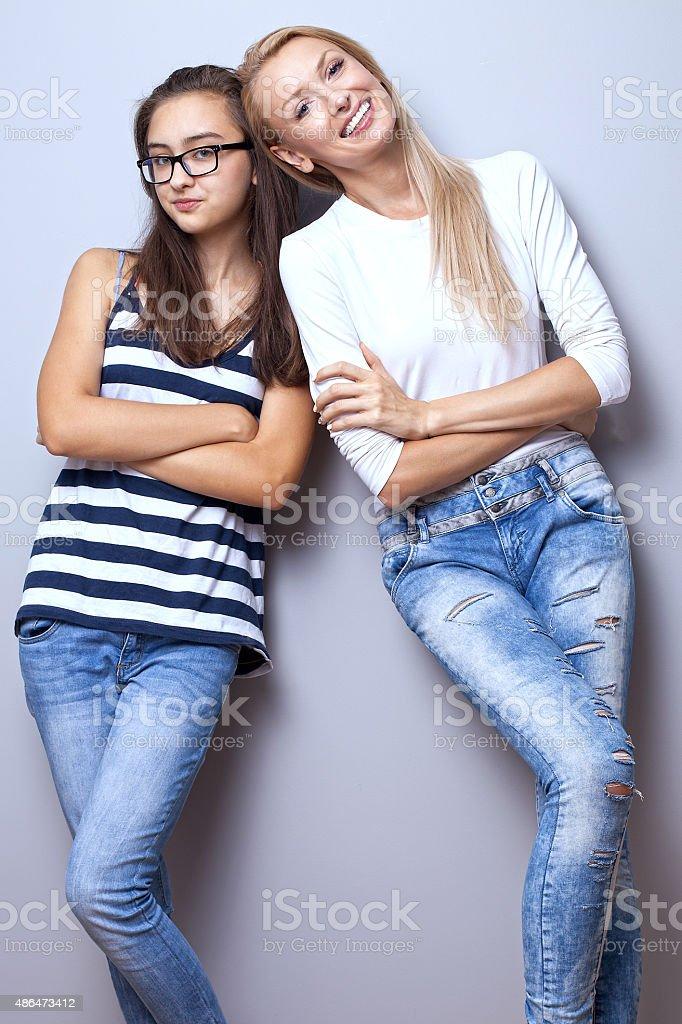 Молодые девушки в позах фото 53-517
