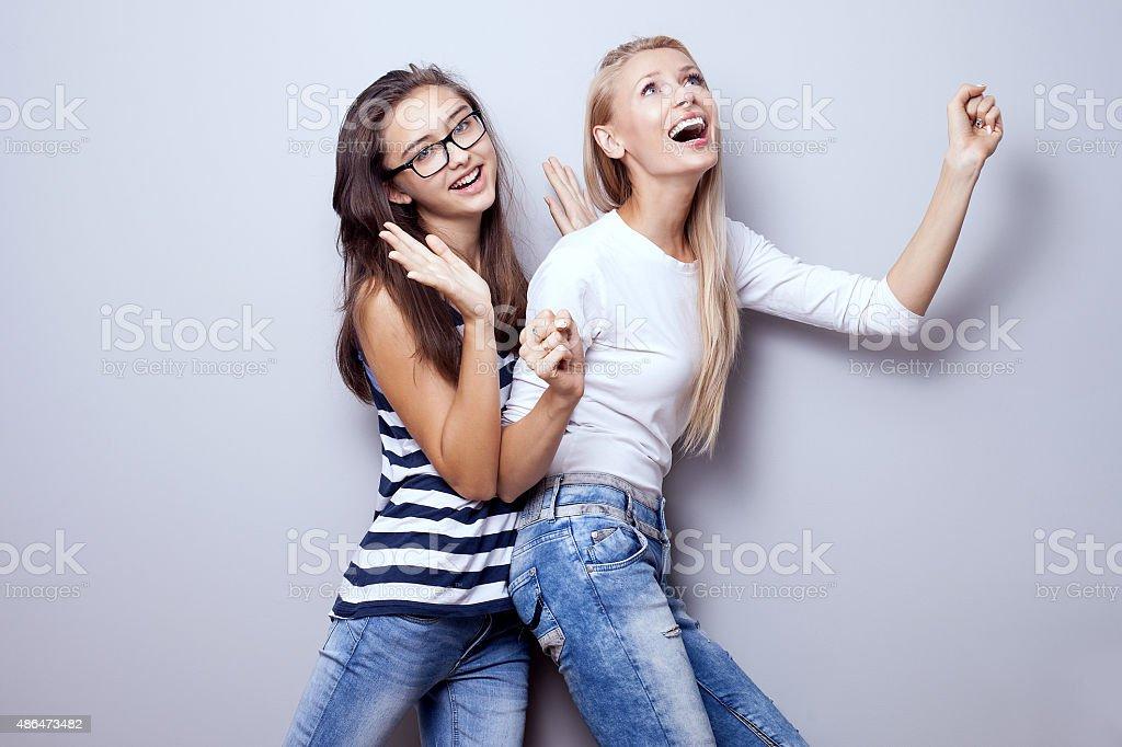 Молодые девушки в позах фото 53-820