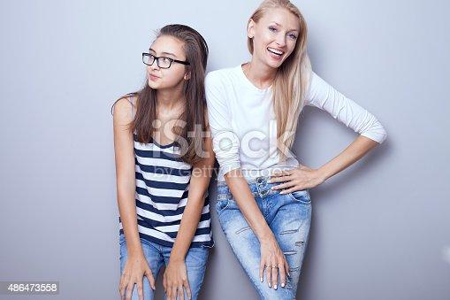 Молодые девушки в позах фото 53-509