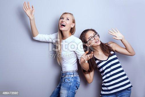 Молодые девушки в позах фото 53-149
