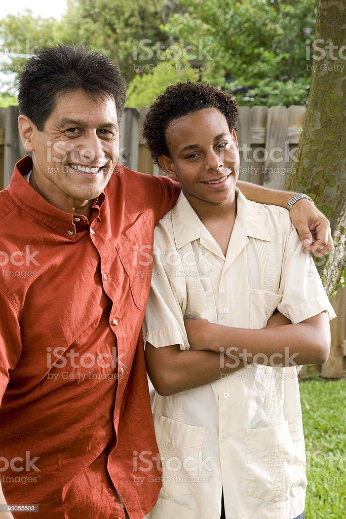 Padre y adolescente son foto de stock libre de derechos