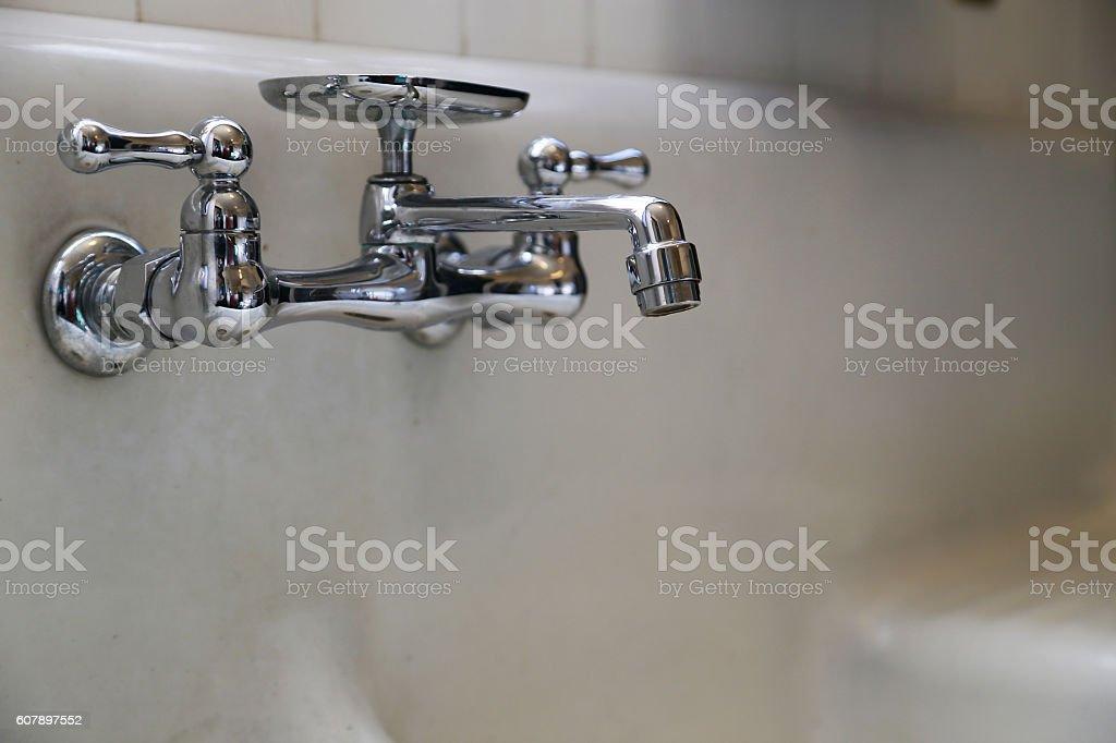 Faucet of the bath foto de stock libre de derechos