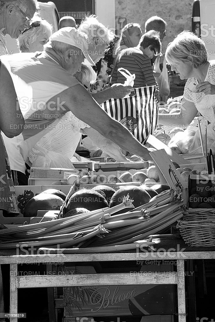 Femmina frutta e vegetale Marseillan fornitore in affollato a Birmingham foto stock royalty-free